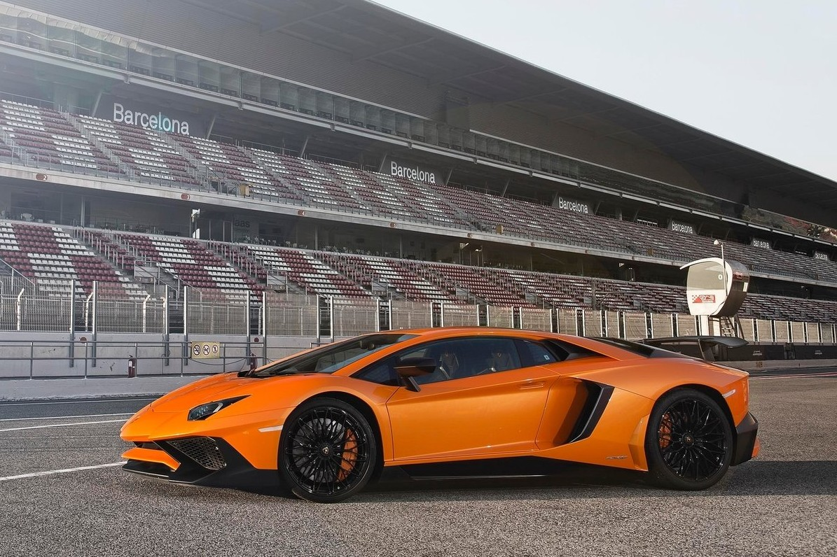 If Lambo's entry-level model isn't flashy enough, check out the brand's other Canadian debut, the Aventador LP 750-4 SuperVeloce, which boasts 50 hp more than the standard Aventador, for a total of 750.
