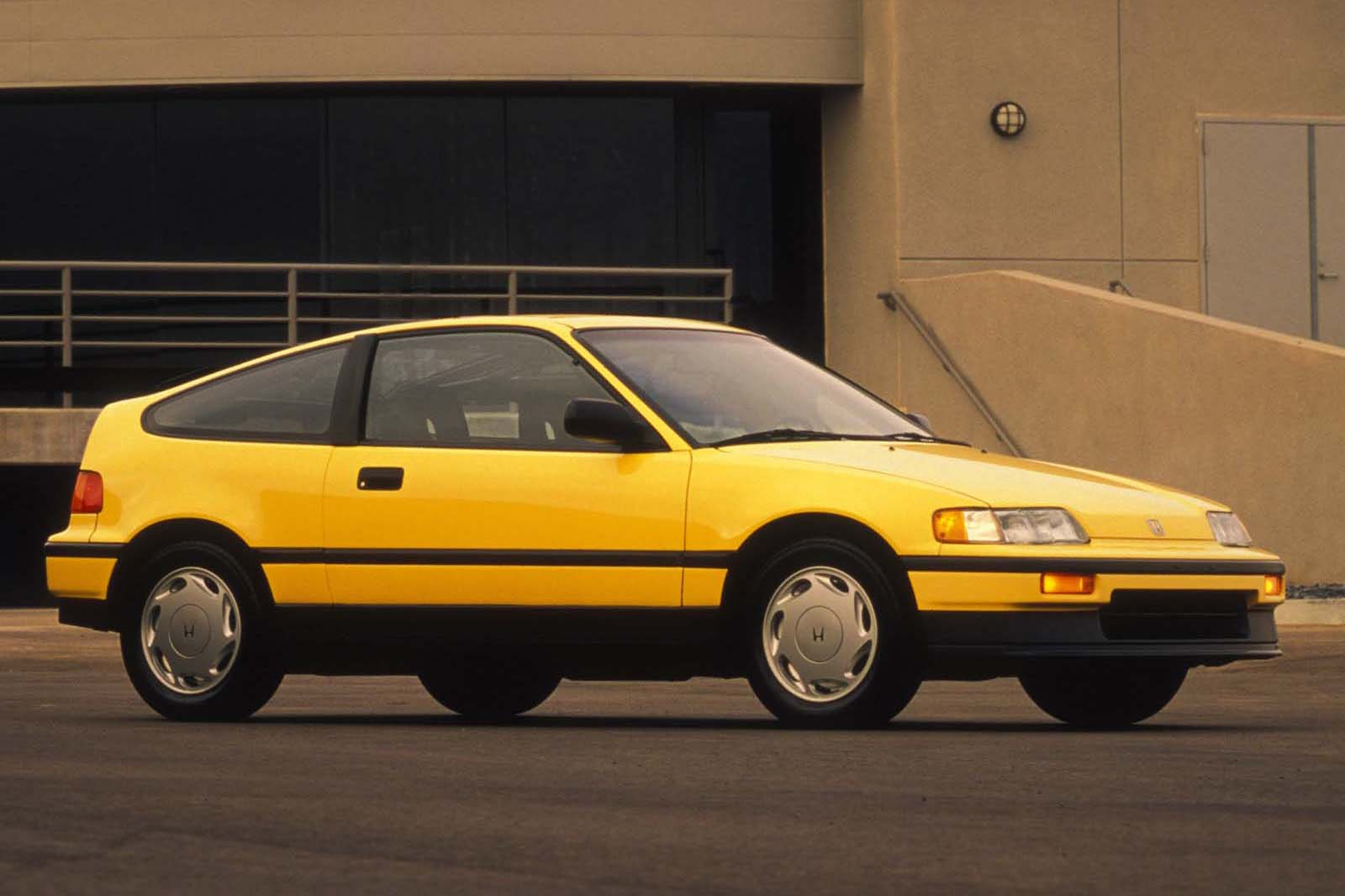 The Si model of the CRX had the same 91-hp 1.5L engine as the regular Civic, and that was plenty. HF versions prioritized fuel-sipping behaviour over all else, but still managed to be fun to chuck around. However, the Si version was where it was at.