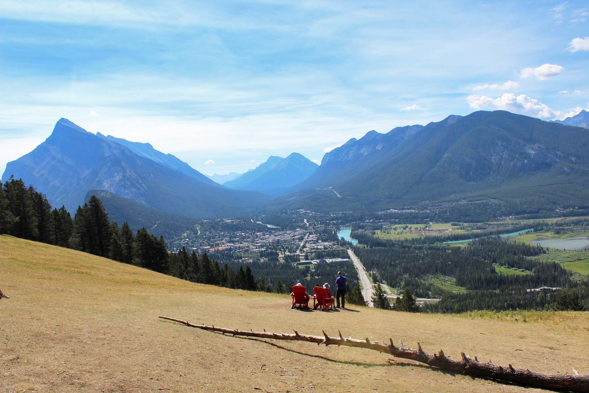 Castle Mountain, Mount Rundle and Mount Norquay are just a few of the spectacular peaks that surround the resort town of Banff, 90 minutes from our final destination in Calgary.