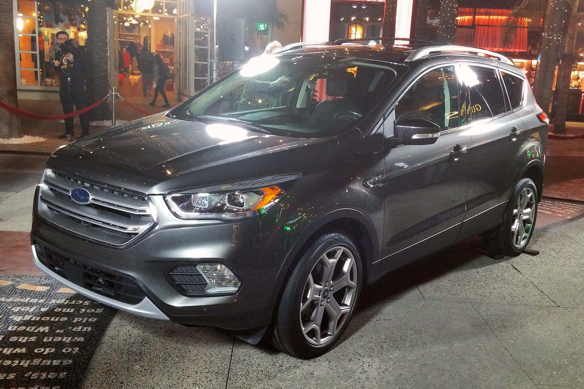 Ford revealed a refreshed 2017 Escape last night at a special event before the Los Angeles auto show. While the manufacturer calls this the fourth-generation of its best-selling crossover model, in truth, it's a warming-over of the second gen introduced in 2012.