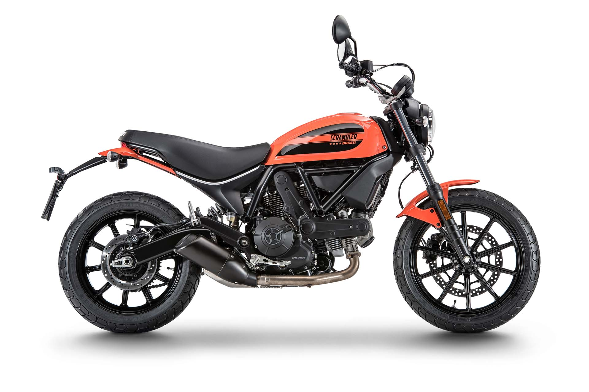 What has 400 cc, 41 hp and will make Ducati a hell of a lot of money in 2016? The Ducati Scrambler Sixty2. The latest addition to the wildly successful Scrambler range, this new entry-level bike with its diminutive 167-kg chassis looks like it will be more fun than a barrel of monkeys.