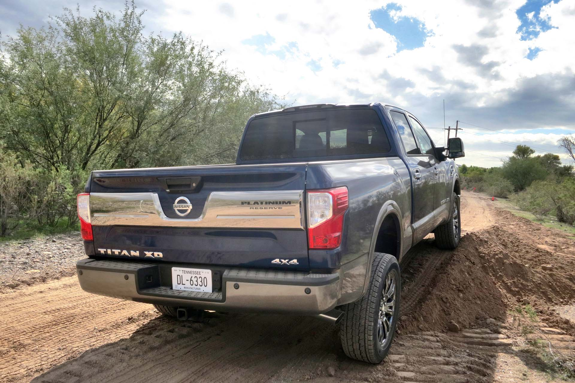 One of the reasons that buyers often opt for a light duty pickup, is the noisier, harsher ride of the heavy duty truck makes it undesirable as a daily driver. The Titan XD is a quiet, mannerly vehicle on road, even when empty. There are a number of contributing factors, mainly the use of laminated sandwich glass (normally found in luxury sedans), a 45% improved level of body sealing and hydraulic bed-to-frame mounts rather than the typical rubber