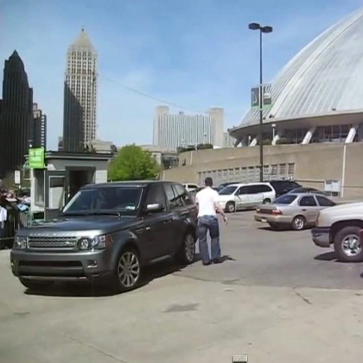 Does choice of car reflect personality? Ovechkin's Mercedes seems to match his justifiably showy and energetic on-ice presence, and, similarly, Crosby – usually seen as more calm and studious than his main rival – chose a vehicle suited to him. It's a still classy, but less conspicuous, Range Rover, as featured in a YouTube video in which he stops to sign autographs outside of the Penguins' arena.