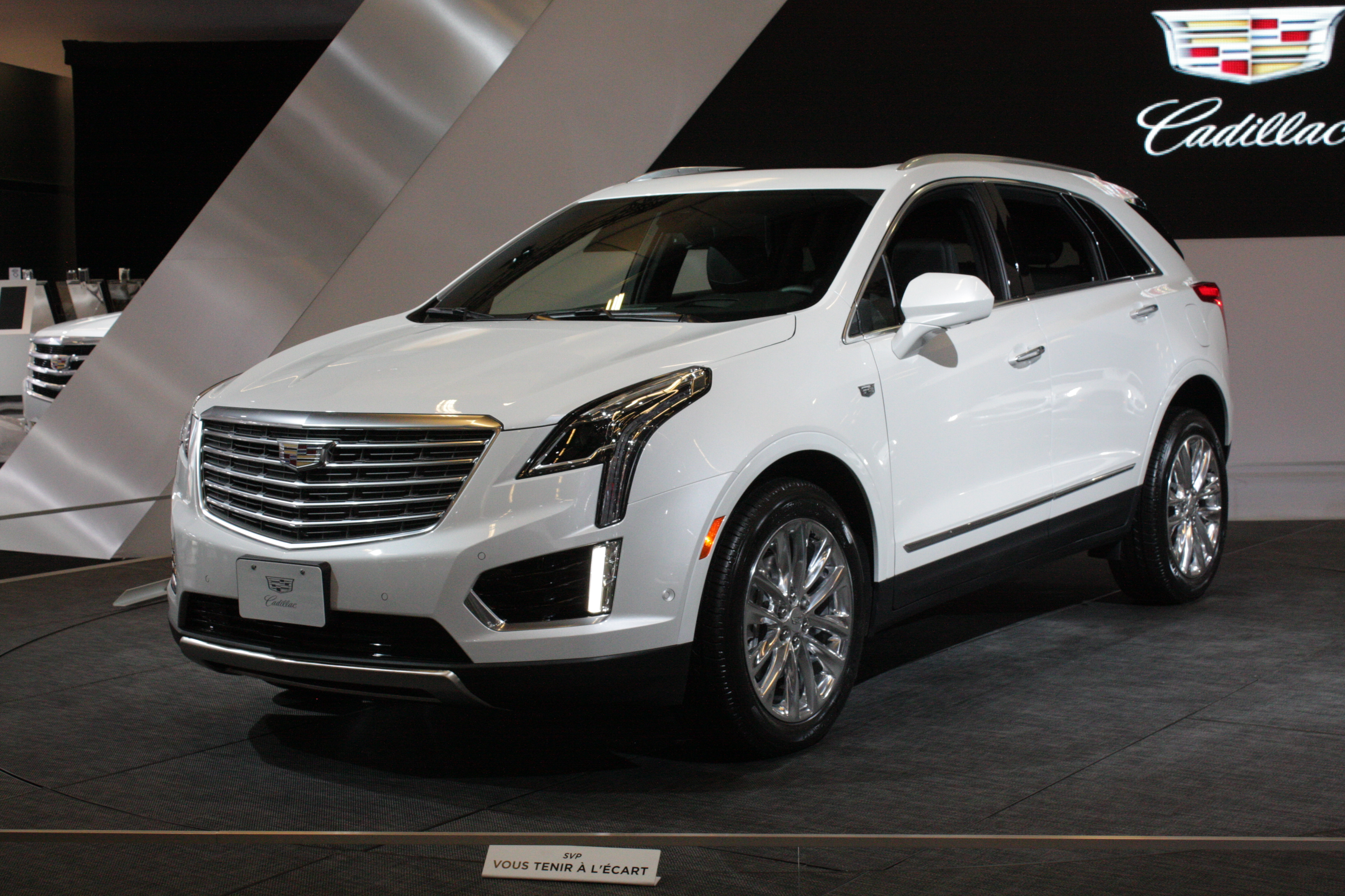 From Cadillac comes the XT5, a new mid-size crossover and replacement for the SRX that wears the brand's new styling language.
