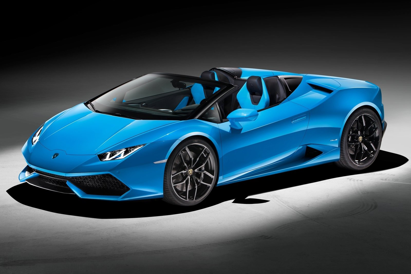 The Huracan is Lamborghini's newest model, and for 2016 it gains a convertible model called the Spyder being shown in Canada for the first time.