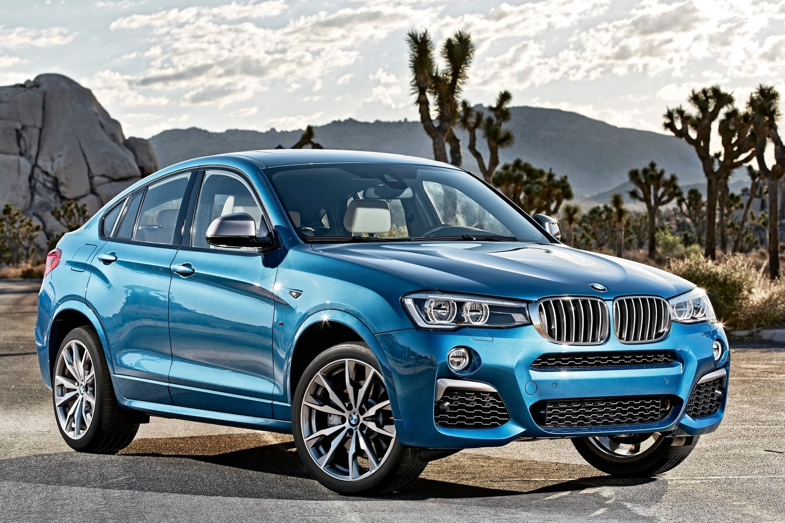 BMW's X4 crossover gets a taste of the brand's M performance pedigree in the M40i.