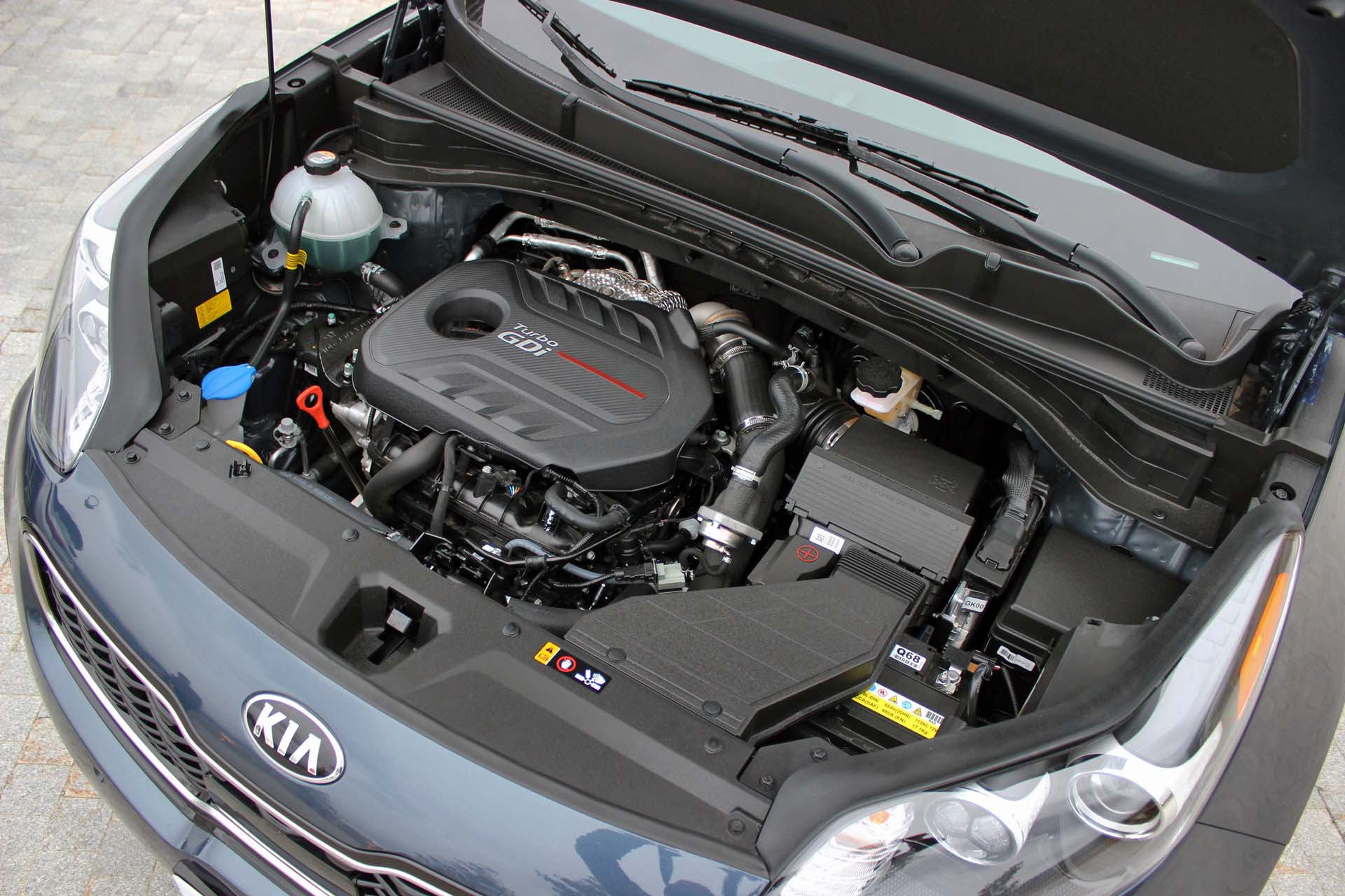 Yes, eagle-eyed Sportage-ophiles will see that the 2.0L turbocharged four-banger in the SX Turbo trim is down 23 hp and 9 lb-ft on the '16 model, which is too bad. However; peak torque arrives more quickly thanks to a faster-spooling turbocharger, which also helps improve fuel economy. The base engine, a naturally aspirated 2.4L, sees little change in its power output.