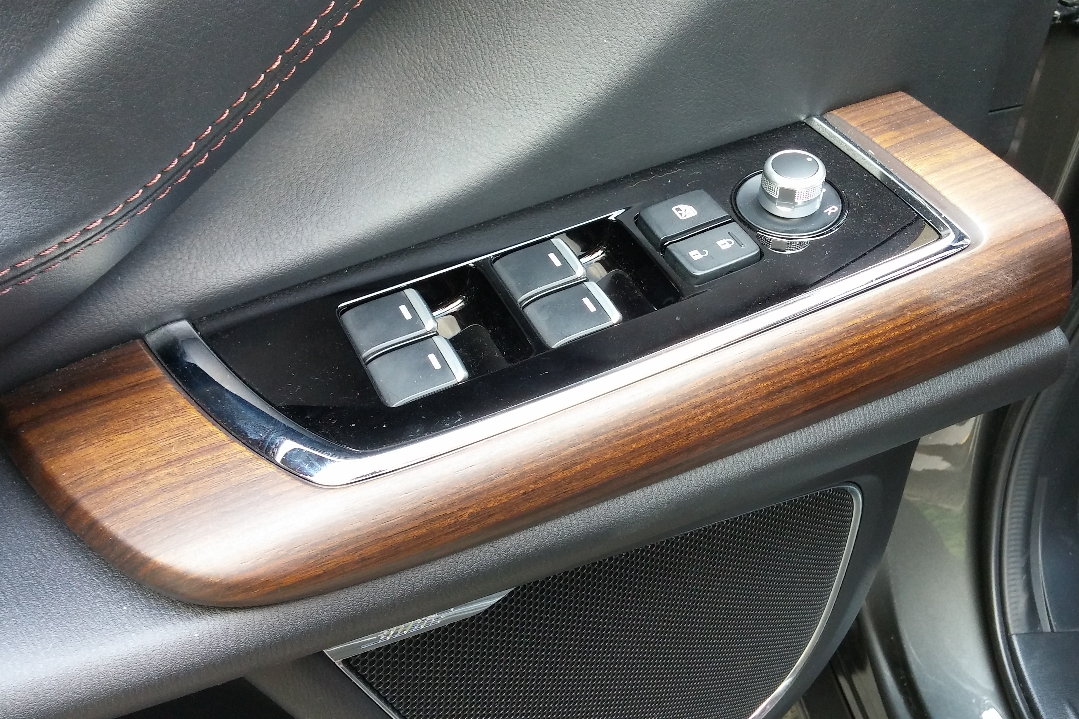 Details like the CX-9's wood trim are photo-worthy