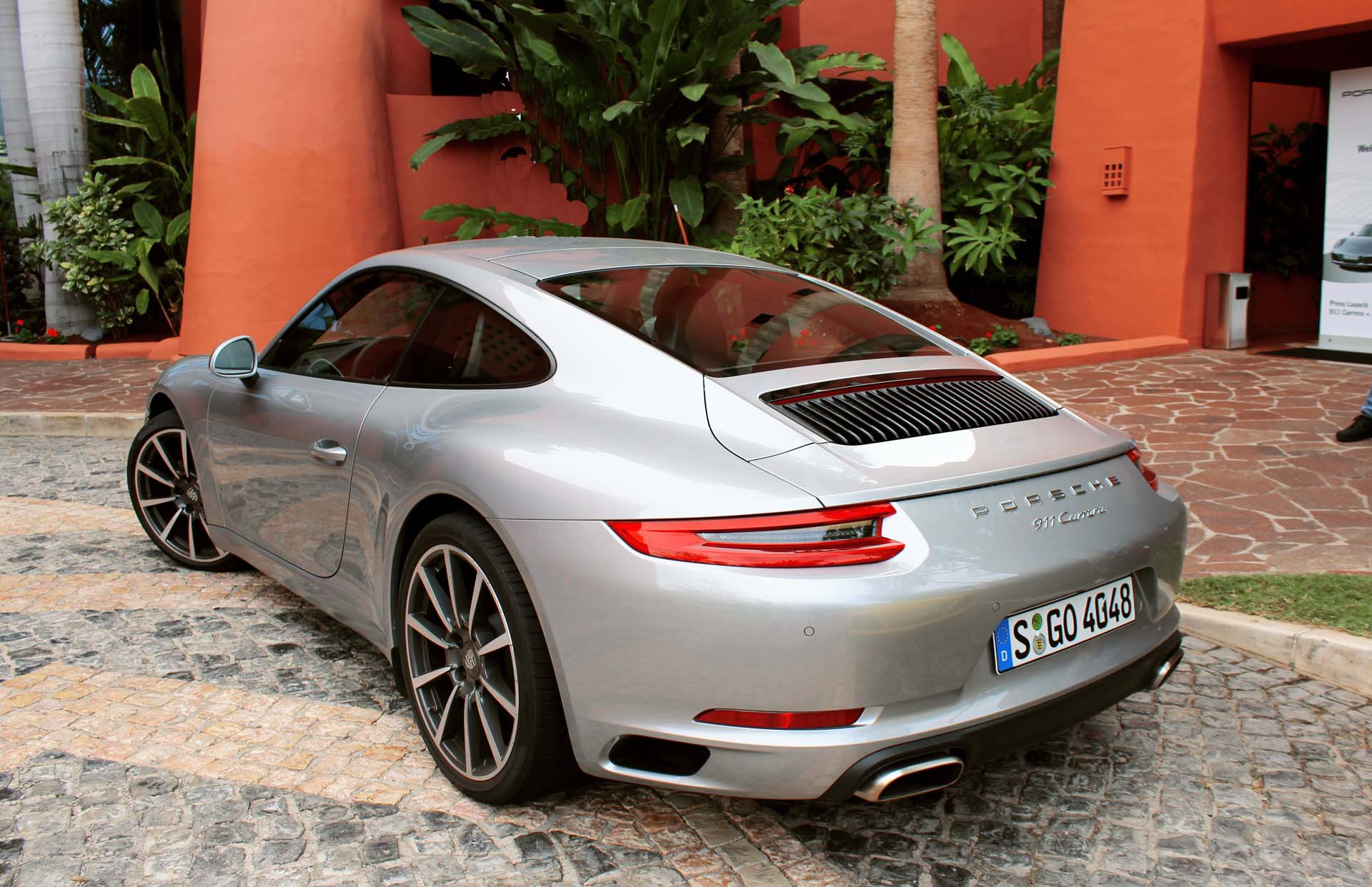 But let's not leave the base 370 hp Carrera out of this. While the outgoing 3.4L Carrera could feel a bit off pace before the tach swung hard right, this 2017 370-hp turbo Carrera does not give up much in the way of perceived pace to the bigger brother S. It feels damned fast too, and also benefits from all the improvements to handling, ride quality and fuel economy.