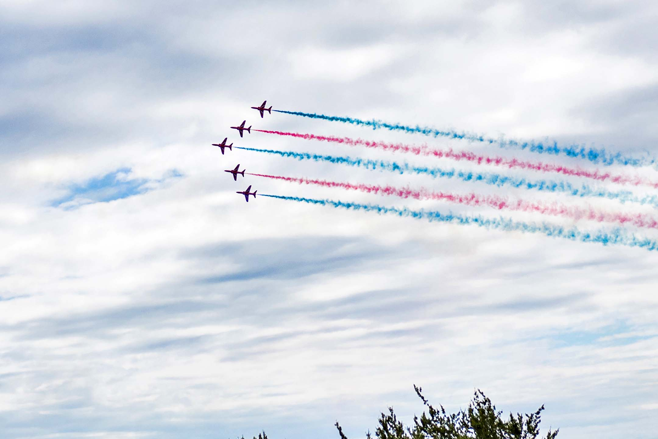 The Red Arrows acrobatic team screams overhead as the cars are marshalled back into their starting positions. Factoring in the huge amount of helicopter traffic, acrobatic displays, and the arrival of RAF Tornadoes, the Goodwood festival is also a bit of an airshow.
