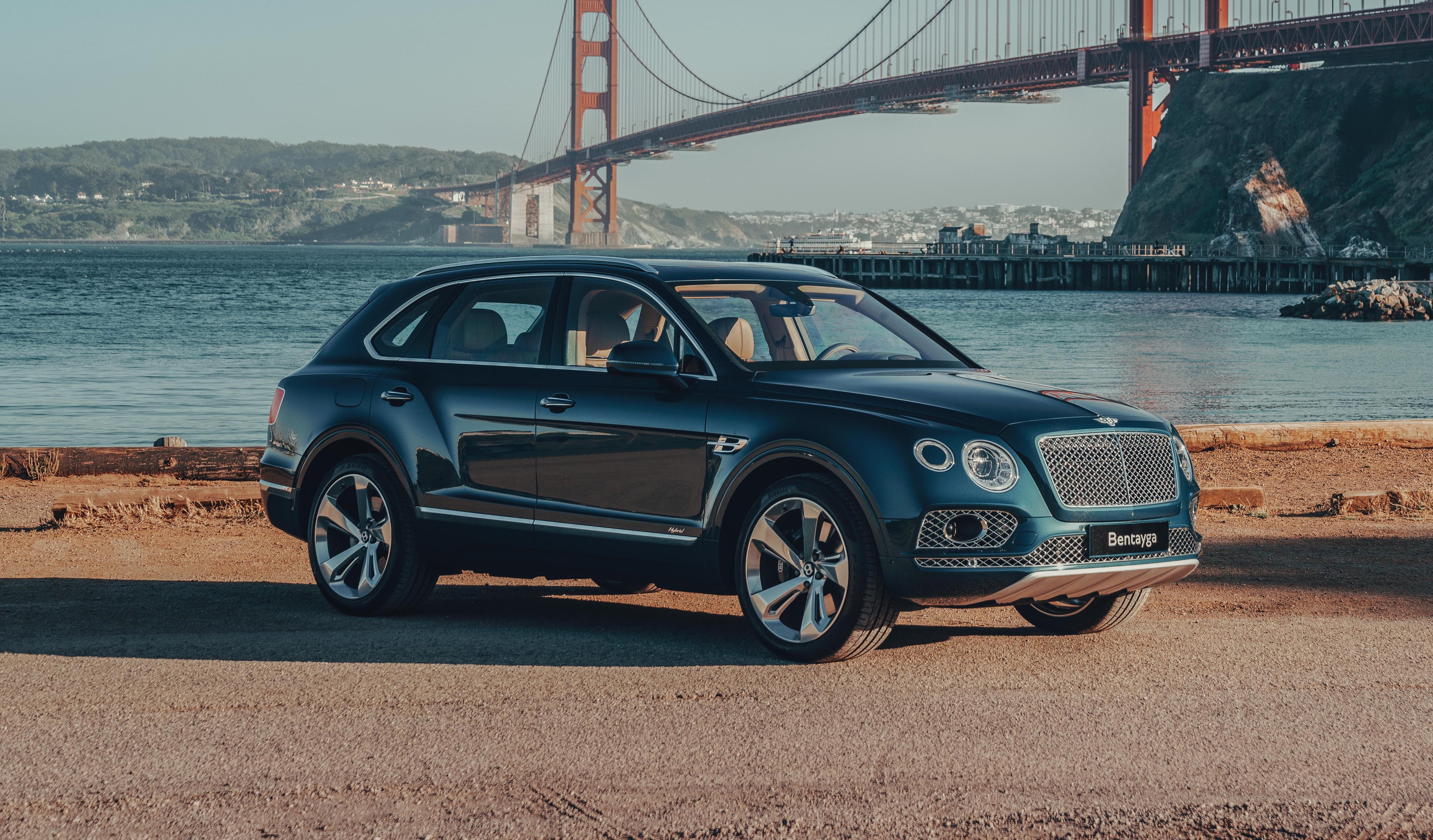 2020 Bentley Bentayga Hybrid Review