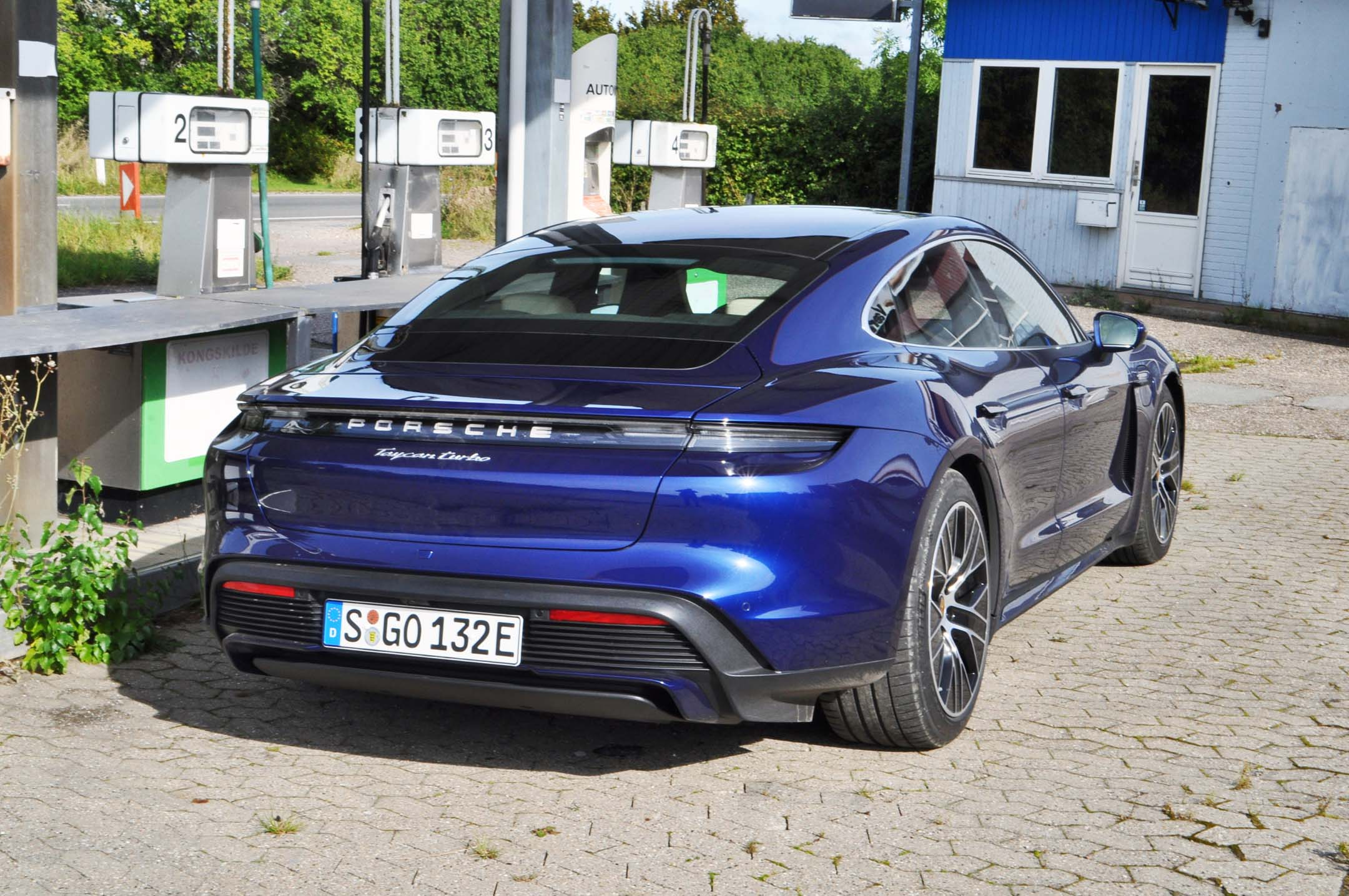 2020 Porsche Taycan Turbo And Turbo S First Drive Review Expert Reviews Autotrader Ca