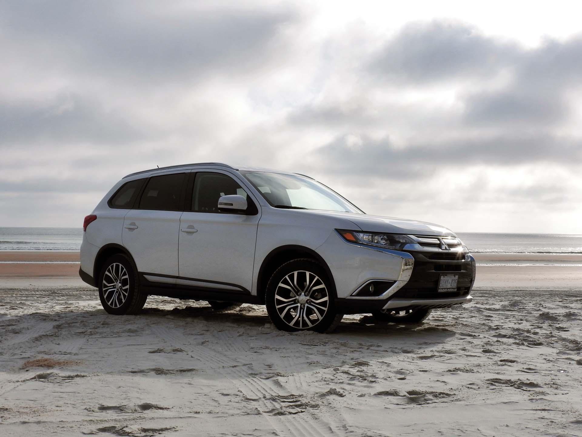 Used Vehicle Review: Mitsubishi Outlander, 2014 2018